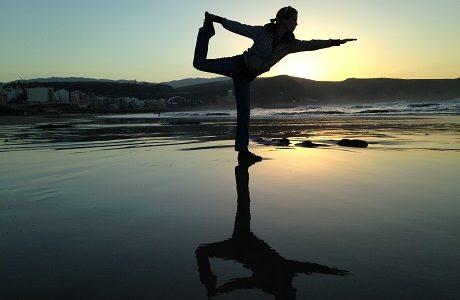「経理体操」で事務作業疲れを癒す